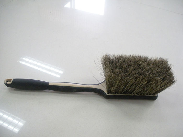 Long Handle Hogs Hair Cleaning Brush